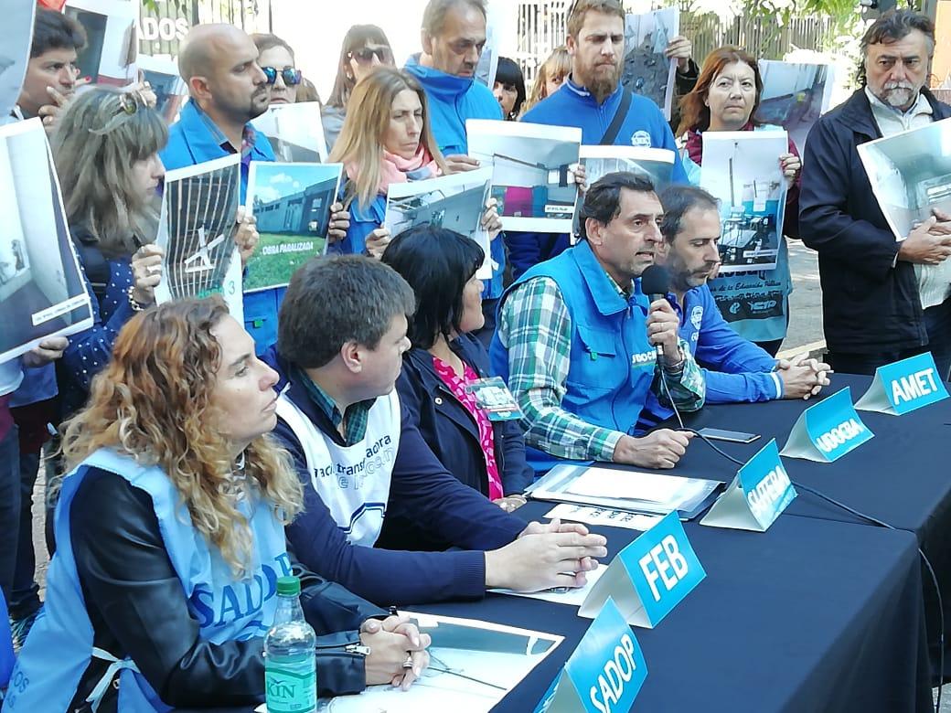 Docentes le piden a Vidal que retome las paritarias y que declare la emergencia edilicia