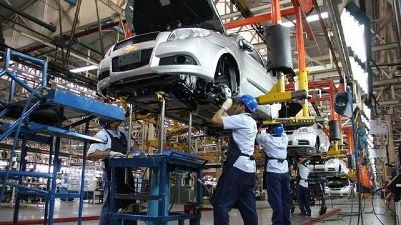 En medio de las suspensiones, la producción automotriz se desplomó 16,4% y las ventas un 58,8%