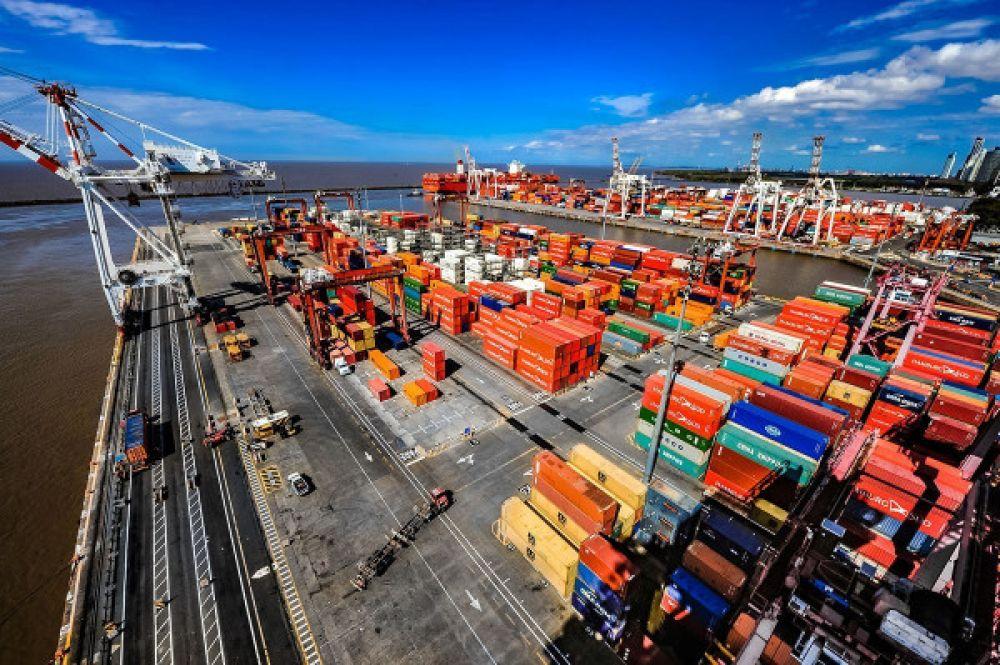 Las empresas se niegan a retomar las paritarias y los trabajadores paralizan las terminales portuarias de Buenos Aires