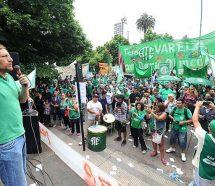 """Los estatales dicen que Vidal """"los condenó a salarios miserables"""""""