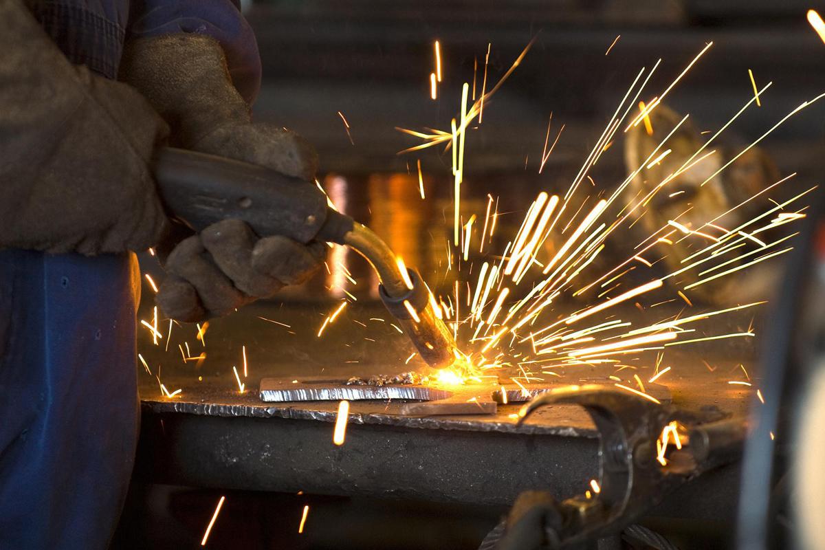 Empresarios metalúrgicos advierten que no pueden pagar aumentos de salarios