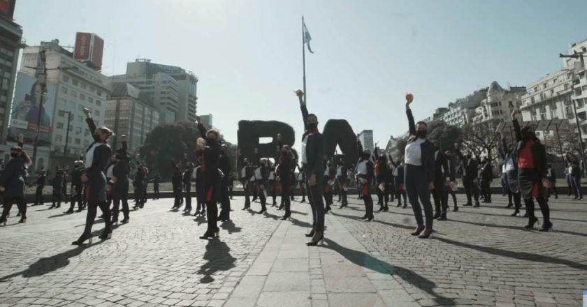 Trabajadores de LATAM organizaron un 'flashmob' de lucha