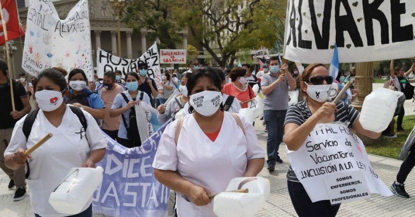 Los enfermeros acampan en 9 de Julio y dicen que Larreta tiene recursos para aumentar la pauta pero no para el personal esencial