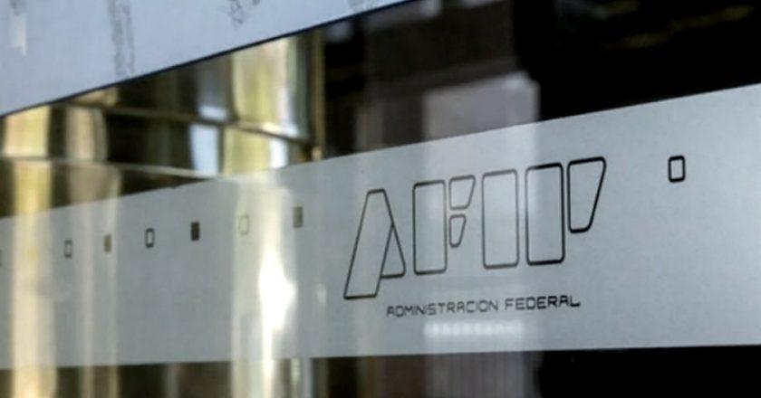 Arde la interna en AFIP: gremio jerárquico dará un bono a sus afiliados para compensar la «pésima paritaria» firmada por el sindicato de base