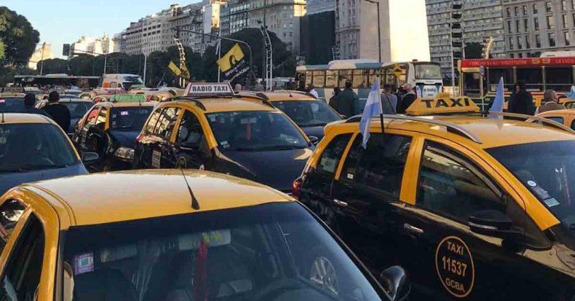 Taxistas cortarán la Ciudad en reclamo contra el funcionamiento de las app ilegales