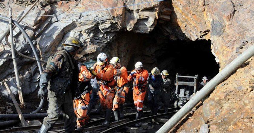 Gremio minero obtuvo 8% de aumento y un bono voluntario de 10 mil pesos para la rama extractiva