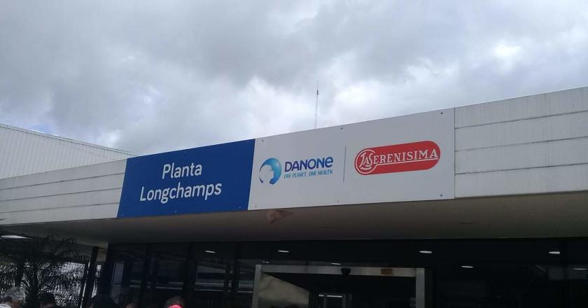 Denuncian plan de reducción de personal de Danone en plena prohibición de despidos