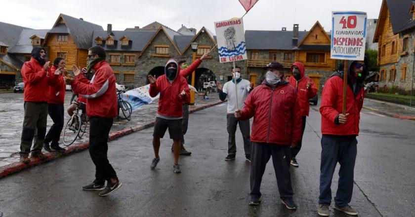 Guardavidas de Bariloche reclaman por 40 despidos