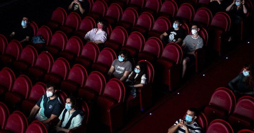 Reabren los cines en todo el país y los 7 mil trabajadores de la actividad vuelven a sus empleos