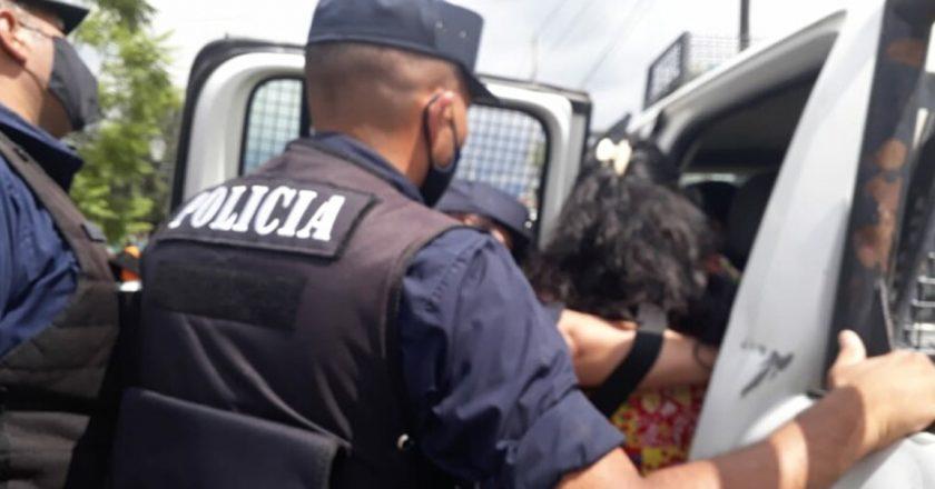 Salta: Detuvieron a docente en medio de una protesta para que agilicen acreditaciones y poder acceder a cargos