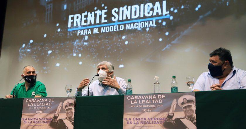 Moyano reconoció que se vacunó con su mujer y su hijo con una provisión del Gobierno de la Ciudad