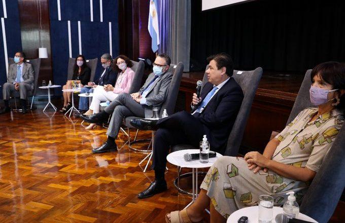 El Gobierno cuestionó a empresarios por el aumento de los alimentos en el inicio de las charlas de precios y salarios: «Queremos un modelo de desarrollo inclusivo»