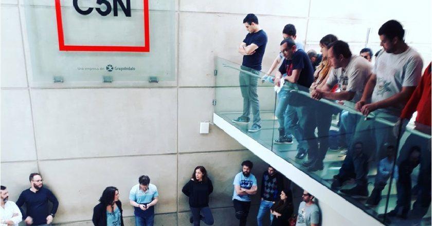 Trabajadores de la televisión denuncian que C5N les paga en cuotas desde 2017