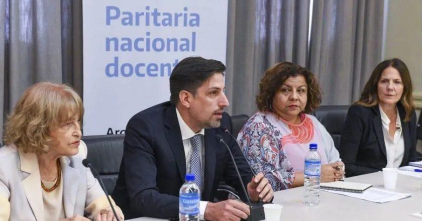 Docentes acordaron la paritaria nacional por un 34,6% y firmarán en Olivos