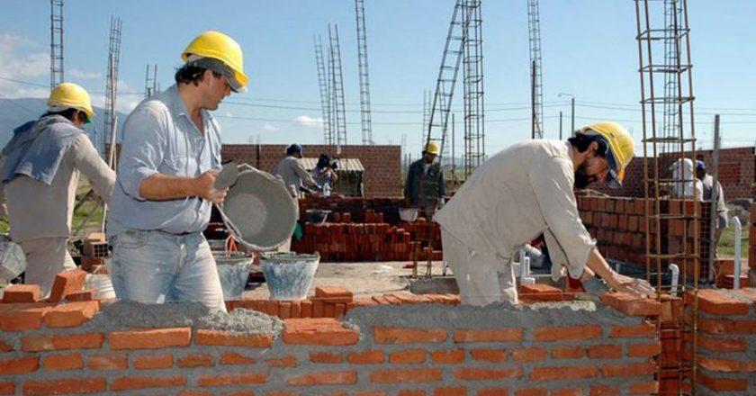 El empleo en la Construcción volvió a crecer en enero y se ubicó otra vez por sobre los 300 mil puestos de trabajo