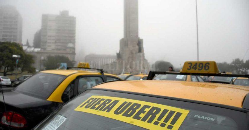 Rosario refuerza su batalla contra Uber y ya judicializa a choferes que trasladan pasajeros usando la aplicación