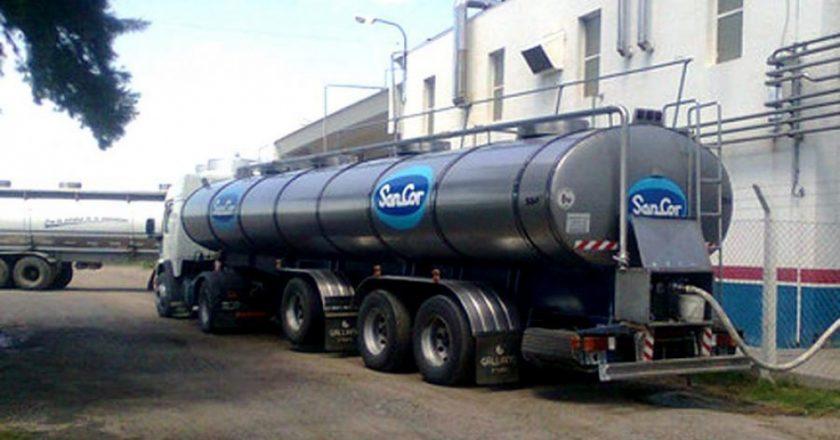 Trabajadores lácteos advierten que se destina a salarios sólo $ 1,60 por cada litro de leche