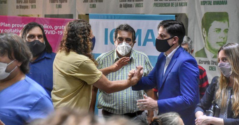 Estatales bonaerenses que deban vacunarse contra coronavirus tendrán la inasistencia justificada