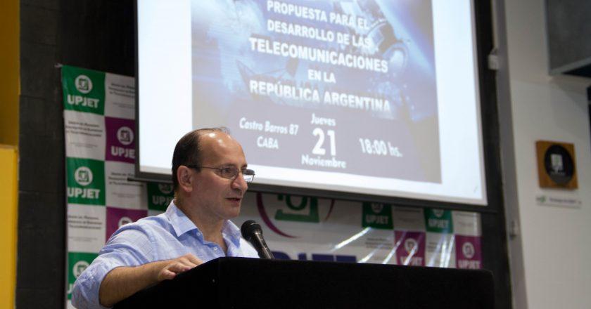 «La concentración en el sector de las Telecomunicaciones cada vez es mayor y las empresas se llevan las ganancias en lugar de reinvertirlas»