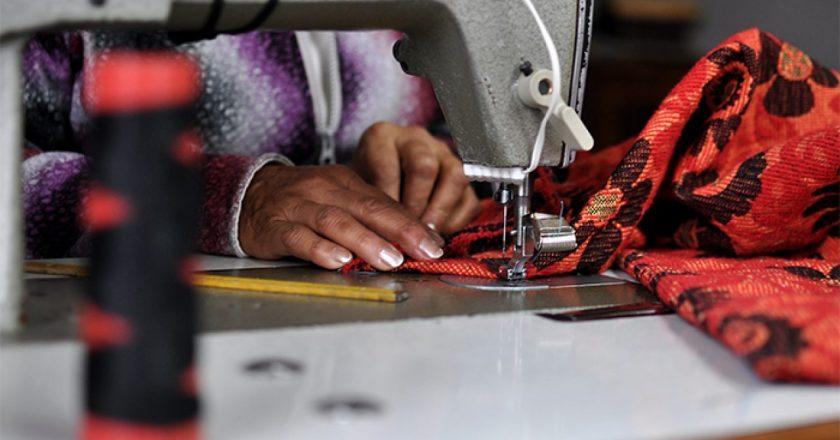 #8M Costureras jujeñas marchan al Congreso de la Nación por dos proyectos de regulación del trabajo en talleres y casas particulares