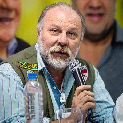 Filtran audio del líder de la Federación de Químicos y Petroquímicos entregando a un trabajador y el resto de la Comisión Directiva le pide la renuncia