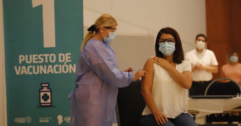 Docentes cordobeses le piden a Schiaretti que acelere la vacunación a los trabajadores del sector