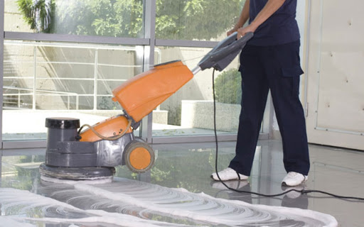 Trabajadores de limpieza de Córdoba denunciaron que les descontaron los ATP y no les pagaron