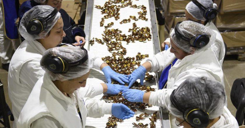 La Justicia acorrala el pacto CGT-UIA y ordena a grandes alimenticias que devuelvan lo que no se le pagó al personal suspendido