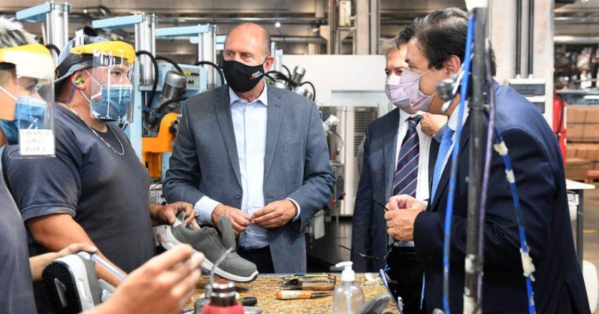 Moroni y Perotti firmaron la adhesión de Santa Fe a la Ley de Riesgos de Trabajo: «Hemos tenido muy bajo nivel de contagio en los lugares de trabajo»