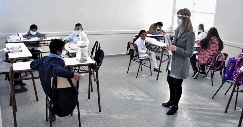 Los docentes porteños dicen que ya tienen más de 1500 contagiados y piden que se suspendan las clases presenciales