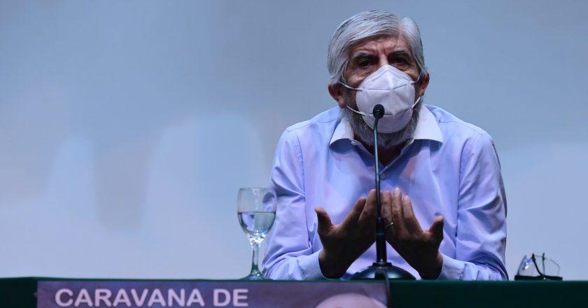 """Un argentino creó en Brasil un """"Uber para camiones"""" y Clarín ya se entusiasma con que llegue a la Argentina para pelear con Moyano"""