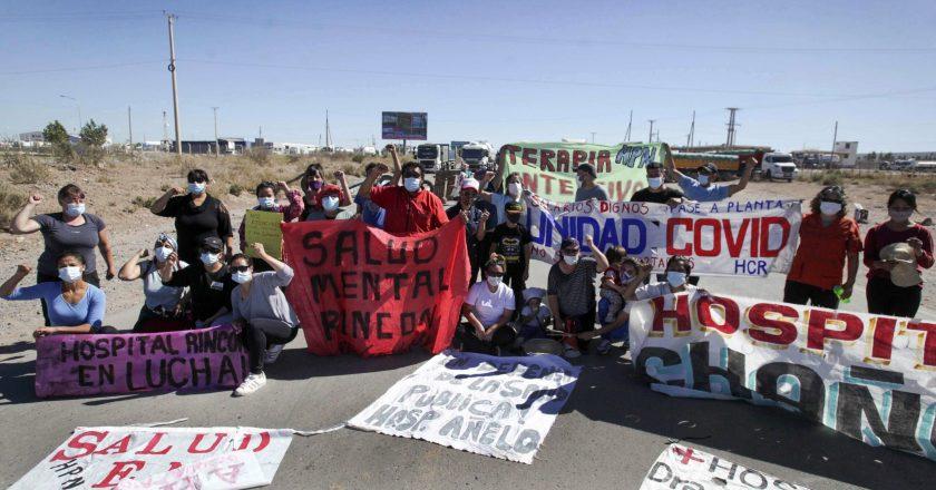 Crece el conflicto con los trabajadores de la Salud neuquinos que cumple 15 días y suma cortes en los puentes provinciales
