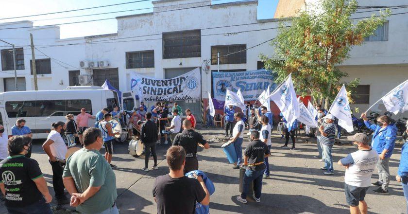 Siguen las protestas de empleados del Vidrio para que la cadena +Visión les aplique su convenio colectivo