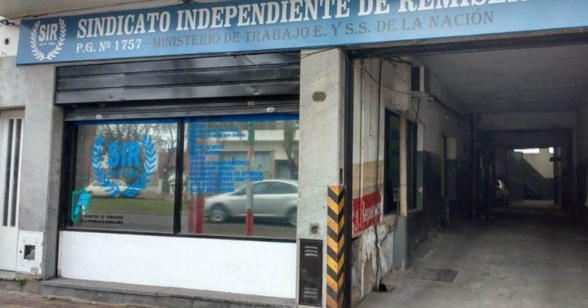 Denuncian que empleados de Garro tienen «tomado» el sindicato de remiseros de La Plata