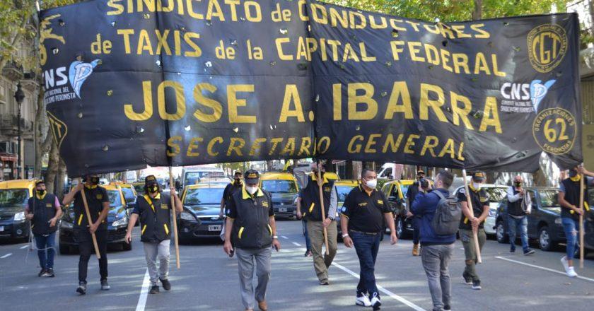 Ibarra pidió que el Gobierno atienda a los 200 mil trabajadores registrados que viven del taxi y recordó que las  apps «evaden miles de millones de pesos»