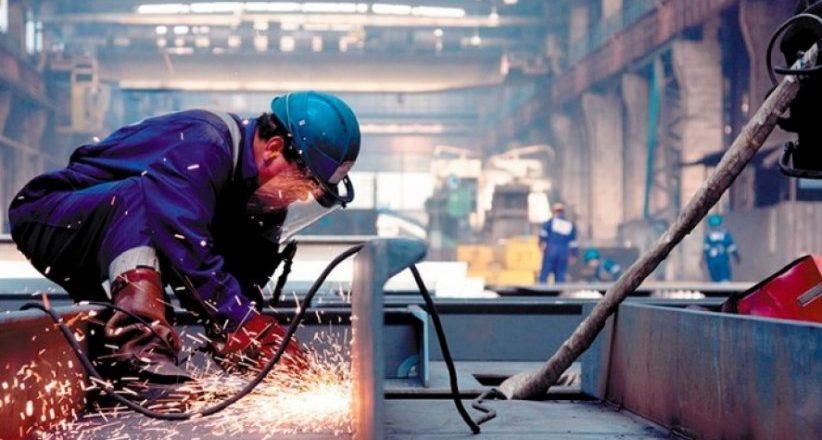 La actividad industrial subió 1,6% en febrero y acumula cuatro meses de alzas, según informó el Indec