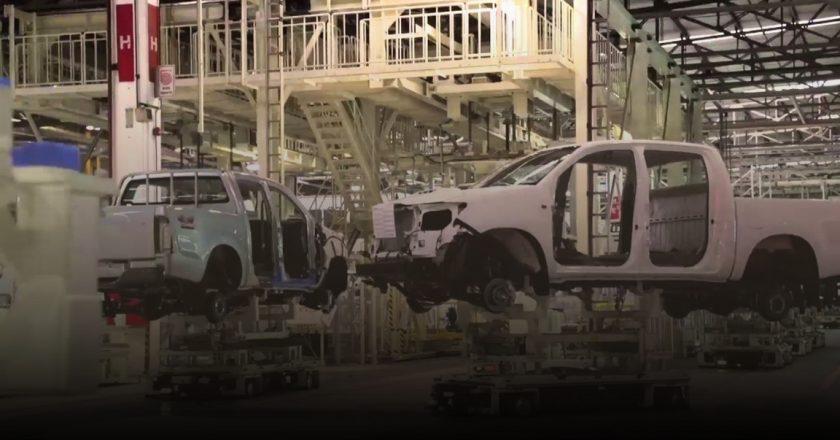 #EXCLUSIVO Toyota para un turno de producción por un brote de contagios en la planta