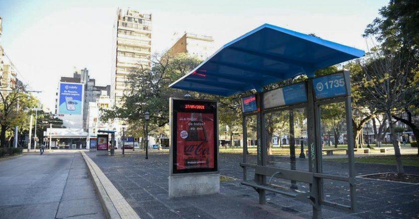 La UTA para el transporte en el interior y desde la oposición acusan a Fernández de dilatar el aumento y de juntar la plata para las empresas