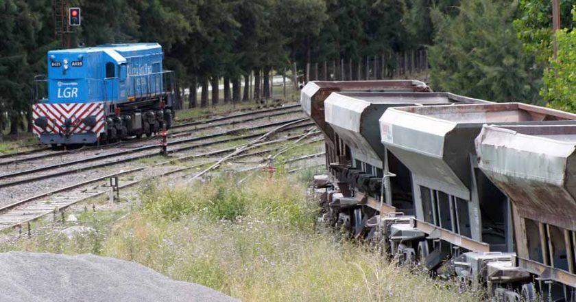 Ferroviarios también se despegan de la pauta oficial para el transporte de carga y firman aumento del 37,5%, más bono de 15 mil pesos y premio Covid
