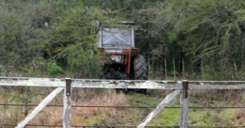 Un cosechero que trabajaba en negro fue pisado por un tractor