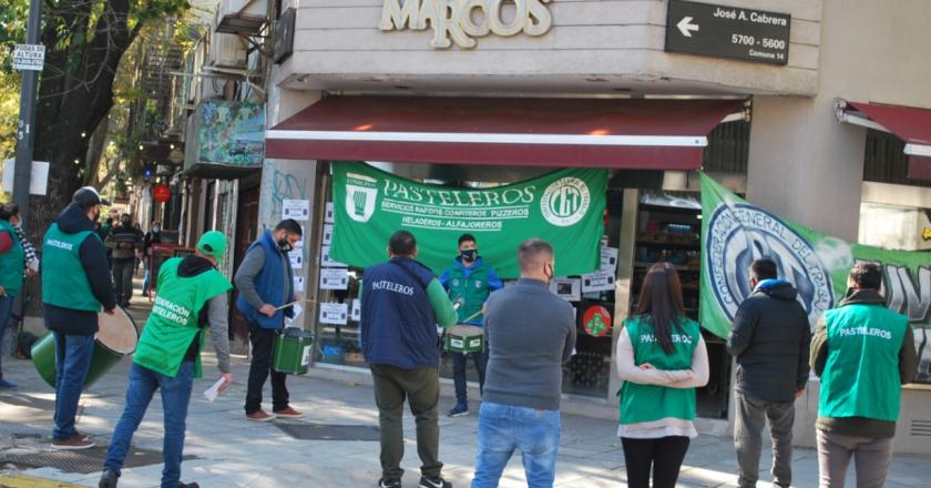 Pasteleros reclaman por condiciones laborales y salarios por debajo del convenio en la Confitería San Marcos
