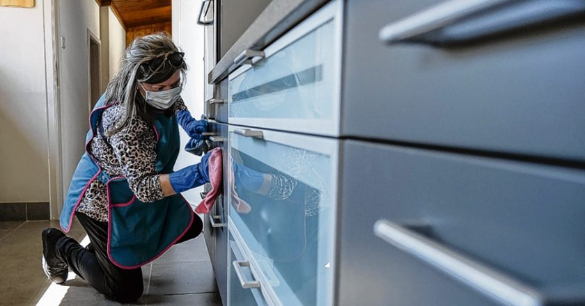 La OIT reivindicó los 10 años del Convenio de trabajo doméstico y advirtió que «la pandemia empeoró condiciones de trabajo»