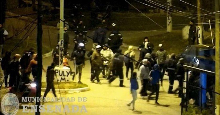 Sube la tensión en la interna de la UOCRA La Plata con el retorno de «Pata» Medina de fondo: tiros, herido de bala, piedras y el intento de incendio de una casa