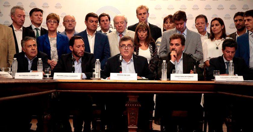 Tres diputados de Juntos por el Cambio fueron denunciados por exigirle a sus empleados parte de sus salarios y se habla de asociación ilícita