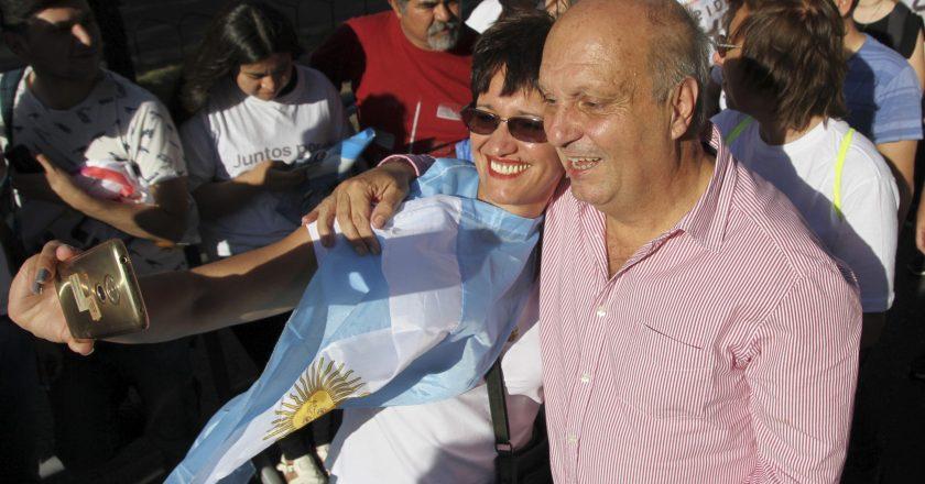 Acusan al gremio de Barrionuevo de tener más diálogo con Lombardi que con los despedidos de Torres de Manantiales