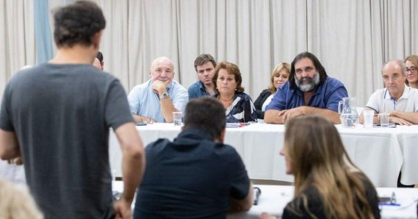 Kicillof recibe a los docentes con la reapertura de las paritarias en el horizonte