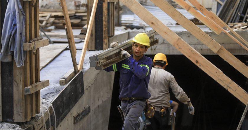 La Cámara de la Construcción dice que ya casi no queda personal de la UOCRA suspendido
