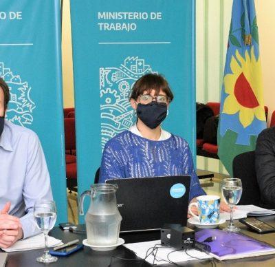 A partir del lunes, los docentes bonaerenses dispensados que recibieron la vacuna o que optaron por no vacunarse deben reintegrarse a sus funciones