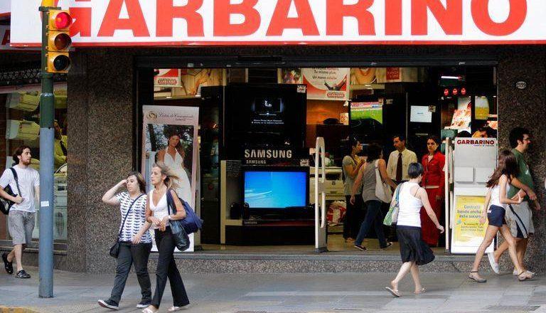 Aunque el Estado le transfirió casi $170 millones, Rosales lleva a Garbarino al borde del abismo y Cavalieri pide que los empleados permanezcan en los locales