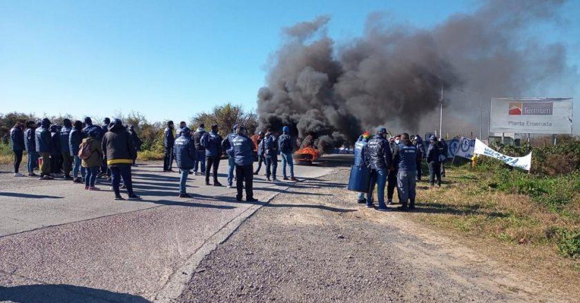 Trabajadores de Seguridad Privada bloquearon una refinería de YPF para que Securitas cumpla con las leyes laborales